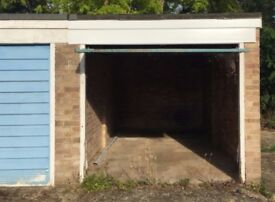 Garage in Reading, RG5, Berkshire (SP17446)