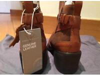 Tan leather ankle boots size 5