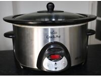 'Rival' Crock Pot Slow Cooker. 300 watt with stoneware potLow, high and keep warm settings.