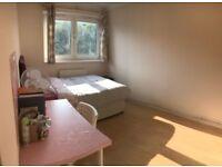 WHITECHAPEL, E1, BRILLIANT 4 BEDROOM DUPLEX APARTMENT WITH BALCONY