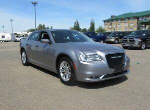 2016 Chrysler 300 LTD w/ LEATHER, SUNROOF, NAV