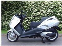 Satelis400 scooter as new selling due to lack of use