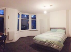 LARGE Double Room in E6 Zone3. Bills Included! 10 mins WALK to East Ham