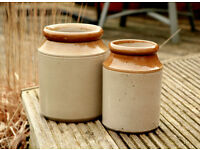 Pair of Unbranded Earthenware Garden Kitchen Pots in Oat/Light Brown Colours 8 & 7 inches tall