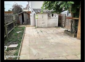DOUBLE ENSUITE BEDSIT WITH SHOWER AND WC PARK GARDENS KINGSBURY NW9