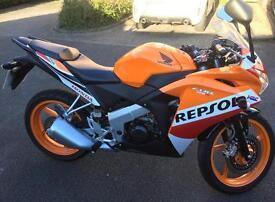 HONDA REPSOL MOTORBIKE - 125. Mint Condition.