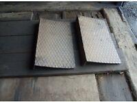 2 x Metal ramps
