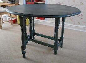 """LARGE 48"""" CIRCULAR, DROP LEAF DINING TABLE, BLUE STAINED PINE **IDEAL EXTRA CHRISTMAS TABLE SPACE **"""