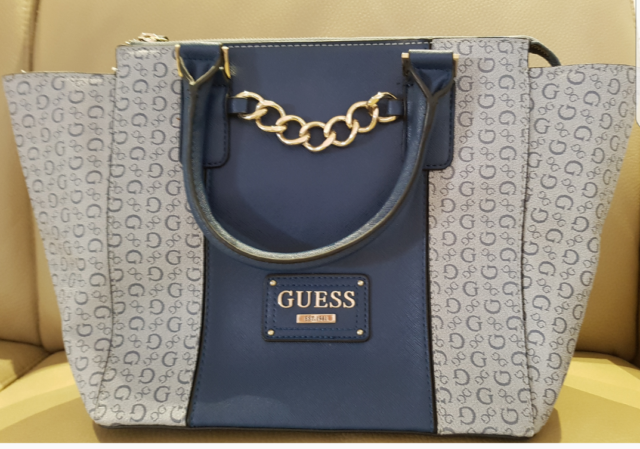 Guess Handbag Authentic Price Includes Postage Bags Gumtree Australia Rockdale Area Bexley 1186389810
