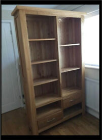 Solid oak bookcase - excellent condition like new