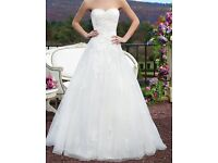 Sincerity wedding dress. 2016 collection size 6/8