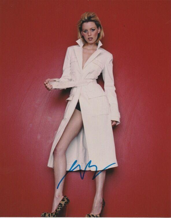 Elizabeth Banks Autographed Signed 8x10 Photo COA
