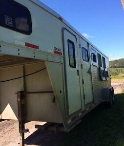 Exiss 4 Horse Aluminum Trailer For Sale