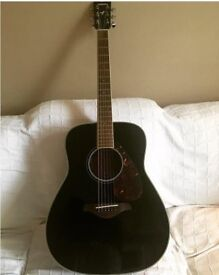 Yamaha acoustic Guitar. Model FG72OS