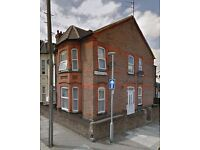 Bedsit near Town Centre, Clean Condition Includes Council TAx