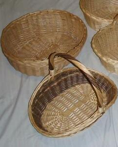 Lot of Large/Medium size Bamboo / Wicker baskets Asking $3.00 Lo