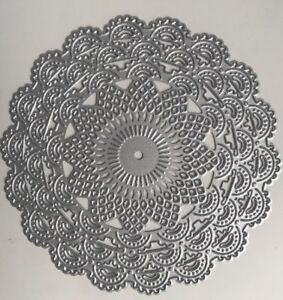 Metal Cutting Die - Large LACE DOILY PATTERN Scalloped Circle (Z37)