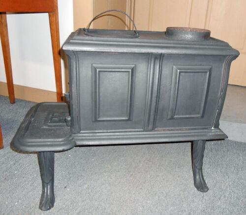 Antique Small Cast Iron Bulldog Heater Stove