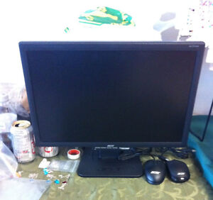 17 in Acer LED monitor