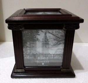 Bombay wooden/glass cube photobox decorative accent London Ontario image 4