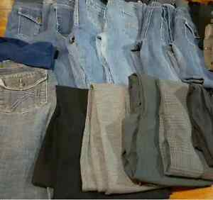 17 pairs of Maternity Pants in EUC in Stoughton