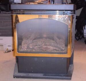 Woodstove style gas fireplace
