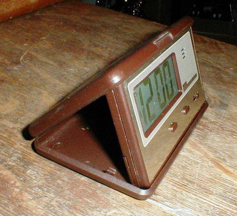 MINT MICRONTA LCD Model 63-708 Folding TRAVEL Alarm Clock Japan NEW Battery
