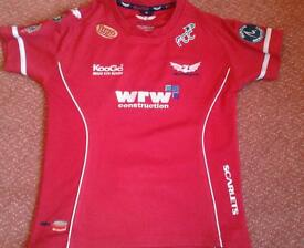 Ladies Llanelli Scarlets size 10 Rugby Shirt