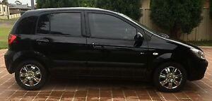 *** 2010 Hyundai Getz SX 5sp Manual 5dr Hatch 1.6L Black *** Singleton Singleton Area Preview