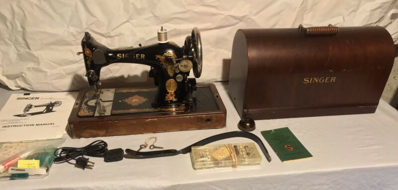 Vintage 1929 Singer 128-13 Sewing Machine w/ Bentwood Case & More / Works Great