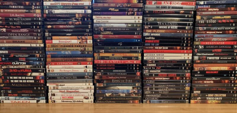 Lot of 18 Assorted Movie DVD's   Clint Eastwood, Denzel Washington And More!