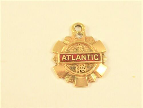 VINTAGE ATLANTIC/ RICHFIELD / ARCO 10K YELLOW GOLD CHARM/ PENDANT WITH DIAMOND
