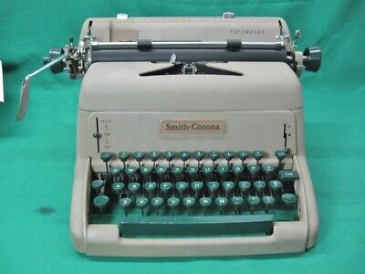 1950s Green Key Smith Corona Pacemaker Typewriter Clean And Serviced