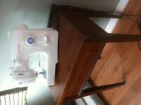 Singer Sewing Machine, Wood Table & Case