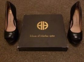House of Harlow Platform Open Toe Size 4