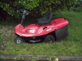 Massey Ferguson 2107 ride on lawnmower, Electric start and pull, manual gears, 3 forward and reverse