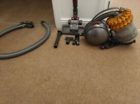Dyson DC54MF Cinetic Multi Floor Bagless Vacuum Cleaner - Need Gone Today