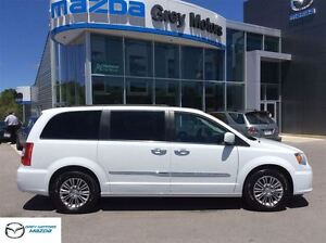 2015 Chrysler Town & Country Touring-Leather, Sunroof, Navigatio