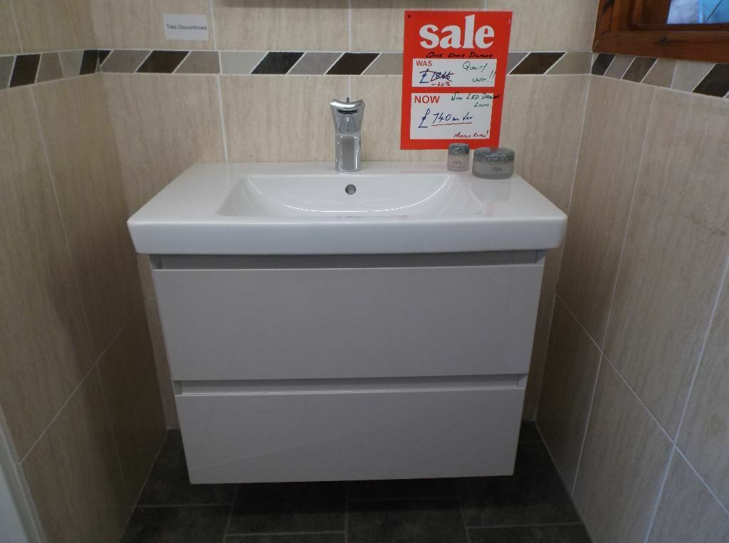 740 Ex-Display Burbidge Vanity Unit & Villeroy & Boch Basin ...