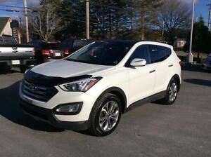 2015 Hyundai Santa Fe LIMITED AWD WITH NAVIGATION, LEATHER AND S