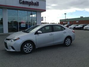 2015 Toyota Corolla LE LOCAL TRADE---HEATED CLOTH---REAR CAMERA Windsor Region Ontario image 2