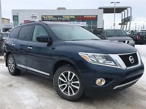 2013 Nissan Pathfinder SL | Leather | 7 Passengers