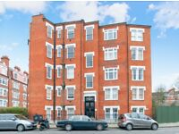 One bedroom mansion block flat in Parsons Green, SW6 close to Bishop's Park