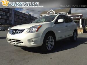 2011 Nissan Rogue SV, Just Like New!!