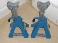 2 ton axle stands x 2 and R.A.C. 2 ton trolley jack