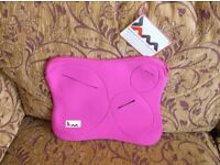 Brand new with tab, JAM neoprene laptop case/sleeve, bright pink