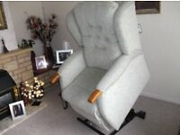 Riser recliner Chair (electric controls)