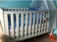 THE BABY ELEGANCE TRAVIS COT BED AND MATTERS