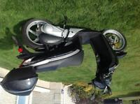 2010 honda sh150 scooter with top case