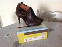 🎄Women's 'Hispanitas' Brown Leather High Heel Ankle Boots Size 7 - Brand New in box.